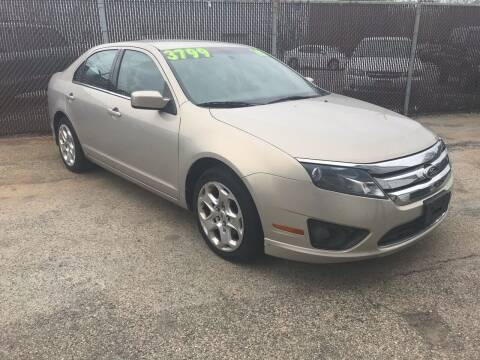 2010 Ford Fusion for sale at Square Business Automotive in Milwaukee WI