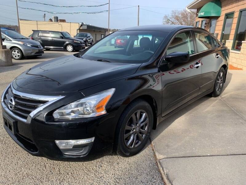 2015 Nissan Altima for sale at Auto Solutions of Rockford in Rockford IL