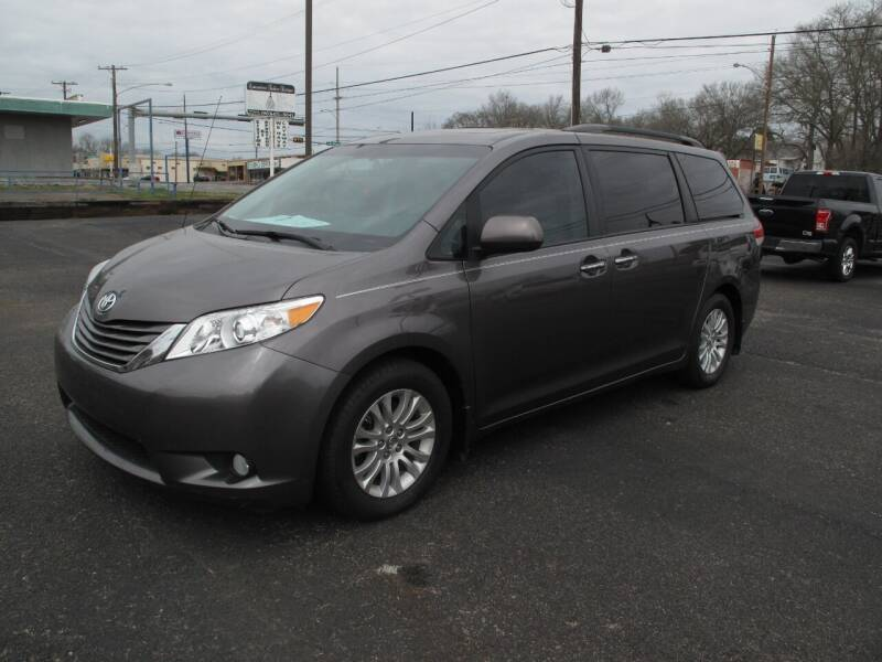 2013 Toyota Sienna for sale at Brannon Motors Inc in Marshall TX