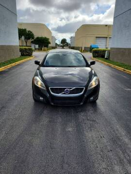 2012 Volvo C70 for sale at INTERNATIONAL AUTO BROKERS INC in Hollywood FL