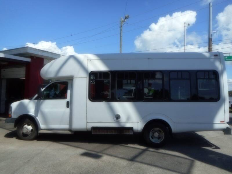 2010 Chevrolet Express Cutaway for sale at Florida Suncoast Auto Brokers in Palm Harbor FL