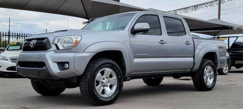2015 Toyota Tacoma for sale at Elite Motors in El Paso TX