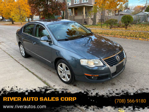 2009 Volkswagen Passat for sale at RIVER AUTO SALES CORP in Maywood IL