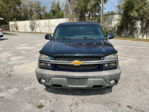 2002 Chevrolet Avalanche for sale at Louie's Auto Sales in Leesburg FL