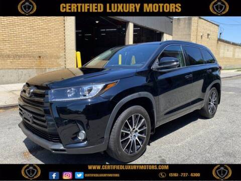 2017 Toyota Highlander for sale at CERTIFIED LUXURY MOTORS OF QUEENS in Elmhurst NY