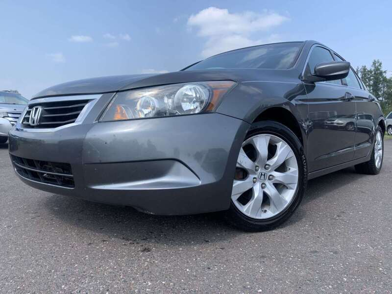 2009 Honda Accord for sale at Autobahn Sales And Service LLC in Hermantown MN