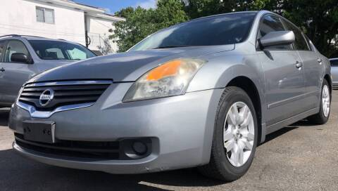 2009 Nissan Altima for sale at Meru Motors in Hollywood FL
