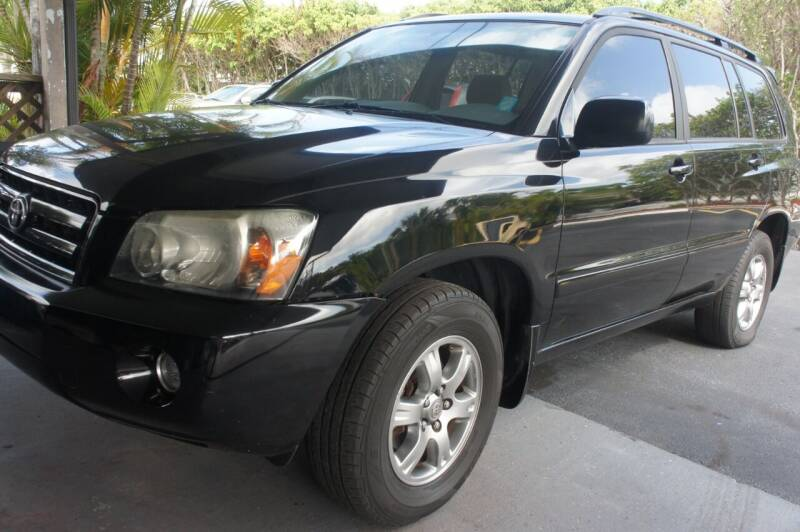 2005 Toyota Highlander for sale at Dream Machines USA in Lantana FL