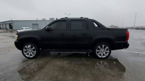 2011 Chevrolet Avalanche for sale at Buy Here Pay Here Lawton.com in Lawton OK