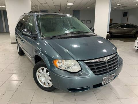 2006 Chrysler Town and Country for sale at Auto Mall of Springfield in Springfield IL