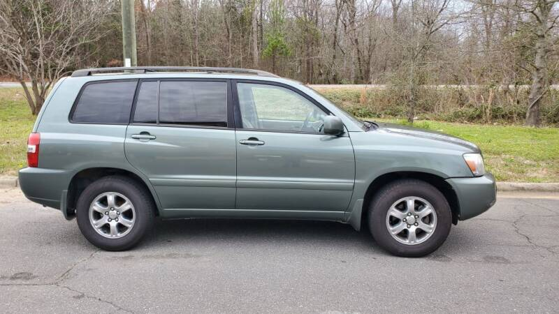 2005 Toyota Highlander for sale at United Auto LLC in Fort Mill SC