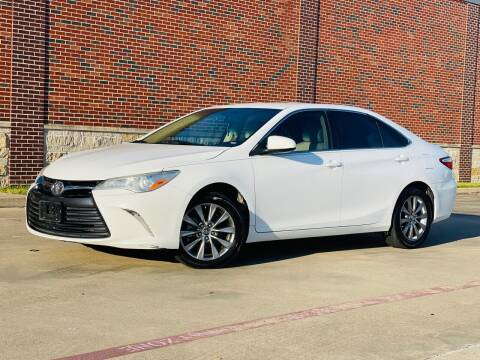 2016 Toyota Camry for sale at AUTO DIRECT in Houston TX