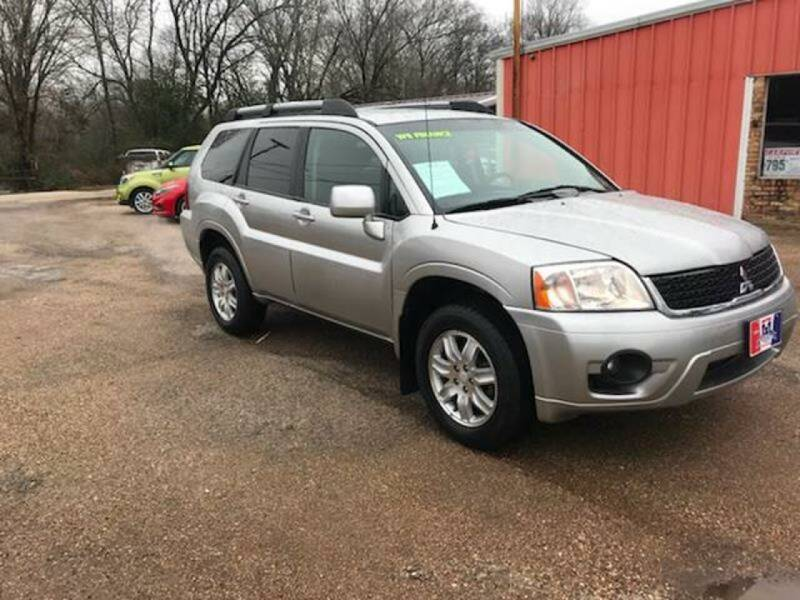 2010 Mitsubishi Endeavor for sale at MENDEZ AUTO SALES in Tyler TX