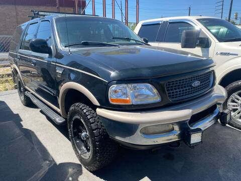 1997 Ford Expedition for sale at New Wave Auto Brokers & Sales in Denver CO