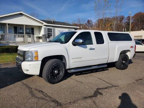 2011 Chevrolet Silverado 1500 for sale at Paramount Motors in Taylor MI