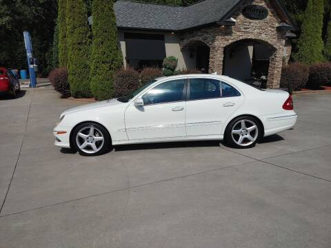 2009 Mercedes-Benz E-Class for sale at Hoyle Auto Sales in Taylorsville NC