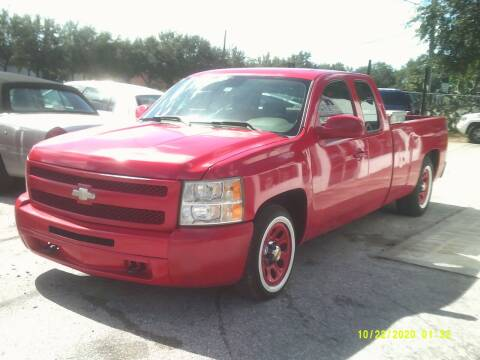 2009 Chevrolet Silverado 1500 for sale at ROYAL MOTOR SALES LLC in Dover FL