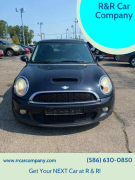 2007 MINI Cooper for sale at R&R Car Company in Mount Clemens MI