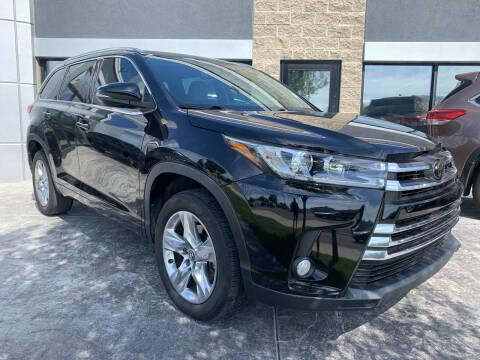 2018 Toyota Highlander for sale at Berge Auto in Orem UT