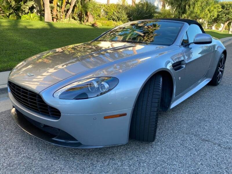 2014 Aston Martin V8 Vantage for sale at Donada  Group Inc in Arleta CA