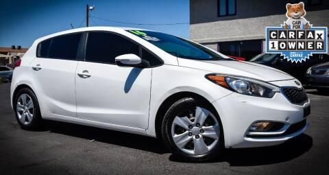 2016 Kia Forte5 for sale at Rahimi Automotive Group in Yuma AZ