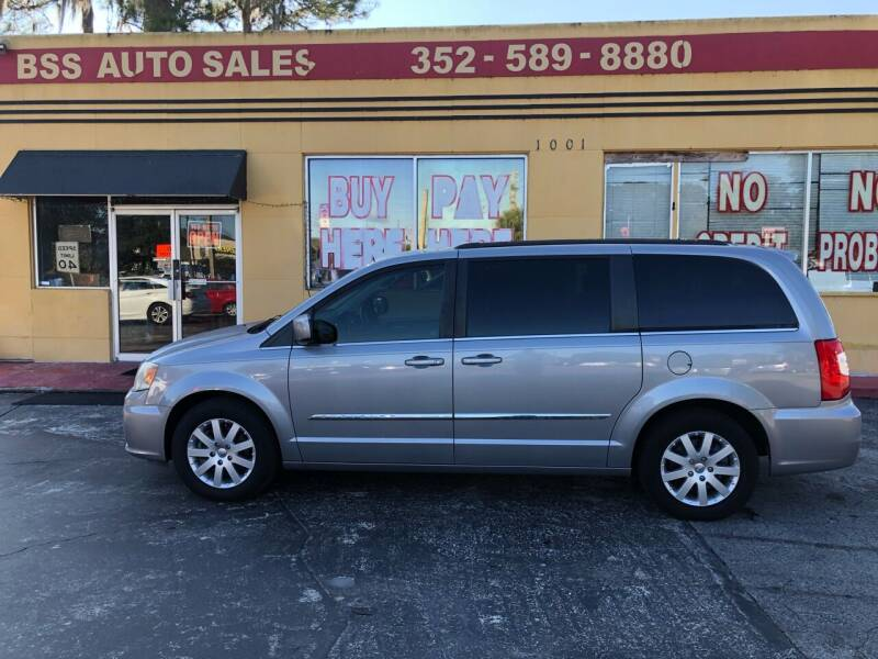 2014 Chrysler Town and Country for sale at BSS AUTO SALES INC in Eustis FL