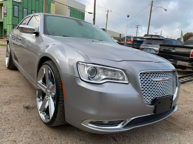 2016 Chrysler 300 for sale at LLANOS AUTO SALES LLC in Dallas TX