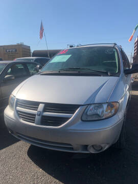 2005 Dodge Grand Caravan for sale at Premier Auto Sales in Modesto CA