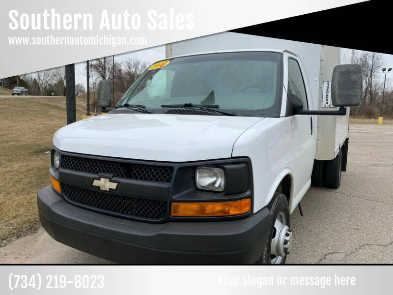 2008 Chevrolet Express Cutaway for sale at Southern Auto Sales in Clinton MI