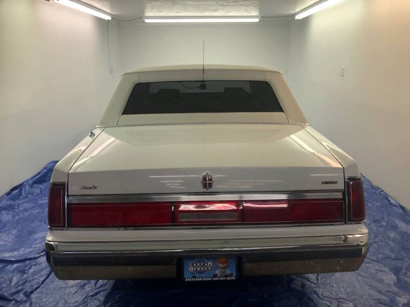 1986 Lincoln Town Car  - Eastlake OH