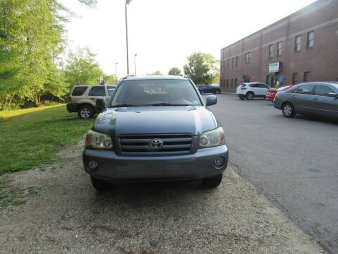 2004 Toyota Highlander for sale at Heritage Truck and Auto Inc. in Londonderry NH