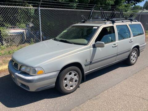 2000 Volvo V70 for sale at Blue Line Auto Group in Portland OR