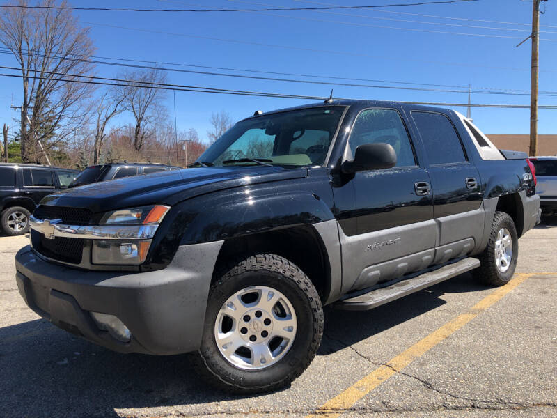 2005 Chevrolet Avalanche for sale at J's Auto Exchange in Derry NH