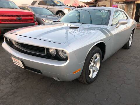2010 Dodge Challenger for sale at Plaza Auto Sales in Los Angeles CA