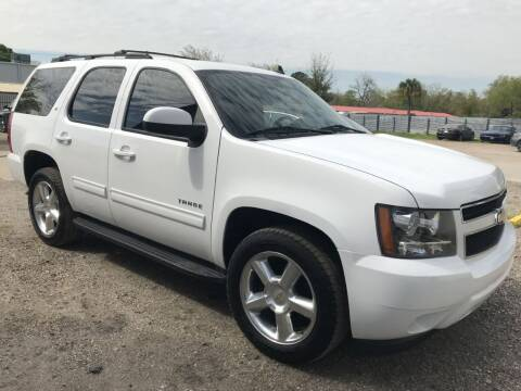 2011 Chevrolet Tahoe for sale at AMIGO USED CARS in Houston TX