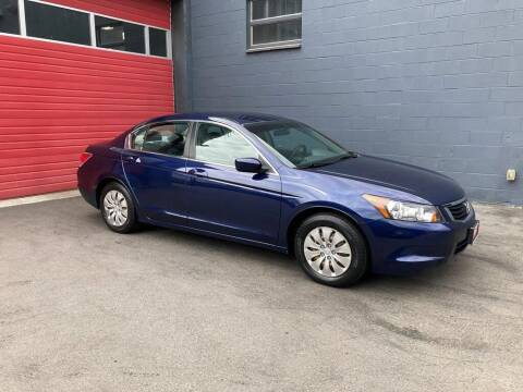 2009 Honda Accord for sale at Paramount Motors NW in Seattle WA