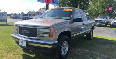 1999 GMC Sierra 1500 Classic for sale at US 30 Motors in Merrillville IN
