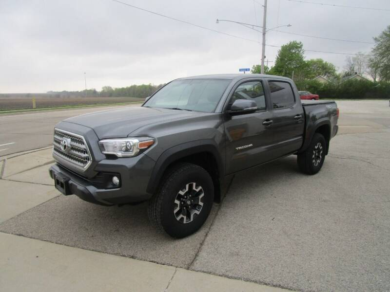 2017 Toyota Tacoma for sale at Dunlap Motors in Dunlap IL
