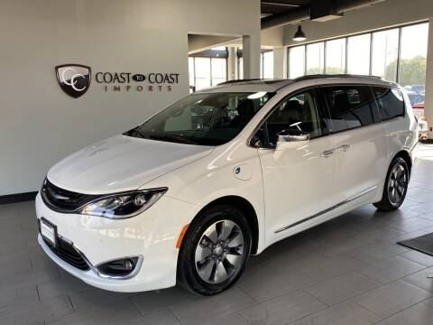 2019 Chrysler Pacifica Hybrid for sale at Coast to Coast Imports in Fishers IN