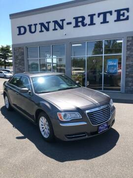 2014 Chrysler 300 for sale at Dunn-Rite Auto Group in Kilmarnock VA