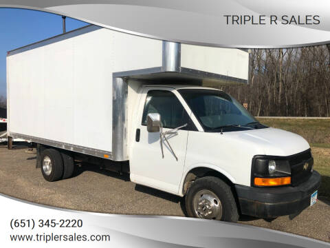 2005 Chevrolet Express Cutaway for sale at Triple R Sales in Lake City MN