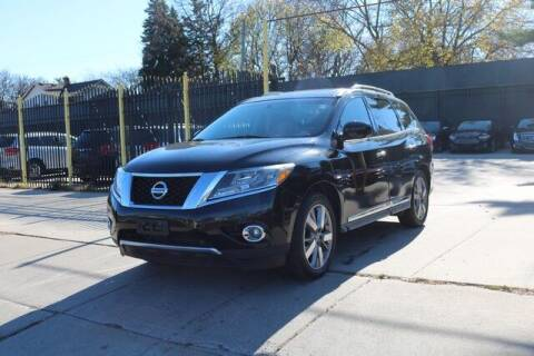 2014 Nissan Pathfinder for sale at F & M AUTO SALES in Detroit MI