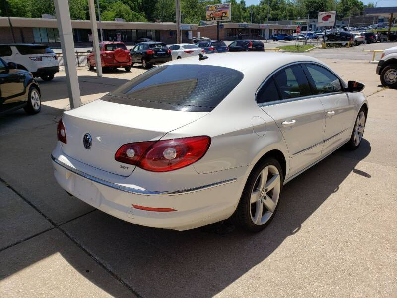 2011 Volkswagen CC for sale at GRC OF KC in Gladstone MO