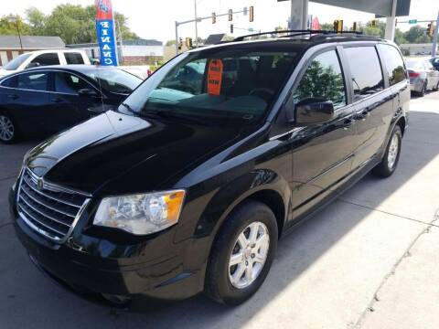 2008 Chrysler Town and Country for sale at SpringField Select Autos in Springfield IL