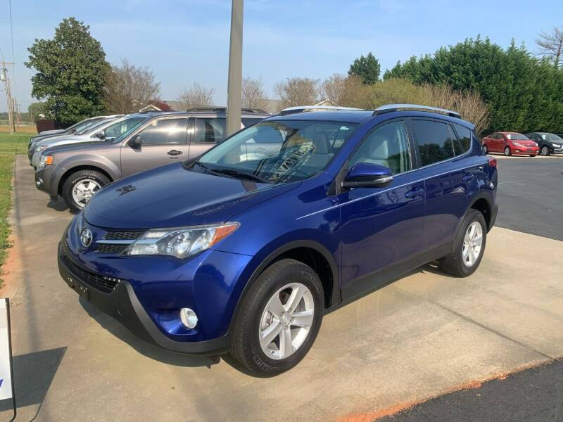 2014 Toyota RAV4 for sale at Getsinger's Used Cars in Anderson SC