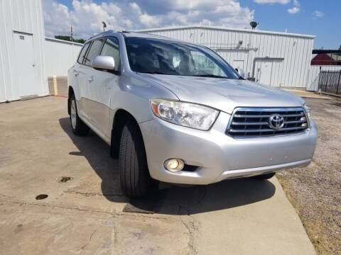 2008 Toyota Highlander for sale at DFW AUTO FINANCING LLC in Dallas TX