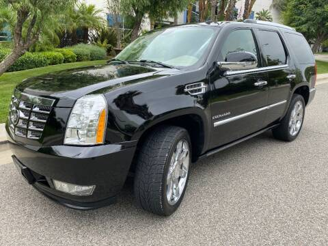 2008 Cadillac Escalade for sale at Donada  Group Inc in Arleta CA