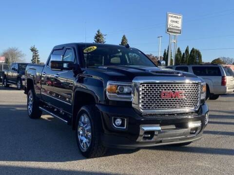 2017 GMC Sierra 2500HD for sale at Betten Baker Preowned Center in Twin Lake MI
