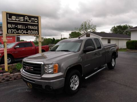 2009 GMC Sierra 1500 for sale at LEWIS AUTO in Mountain Home AR