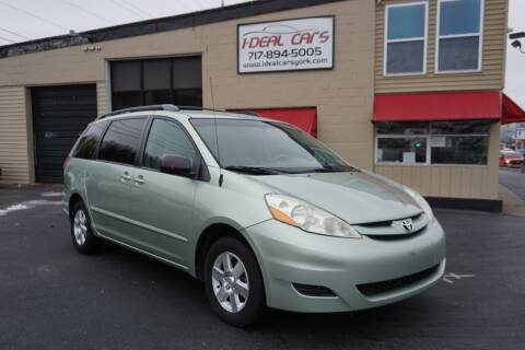 2006 Toyota Sienna for sale at I-Deal Cars LLC in York PA